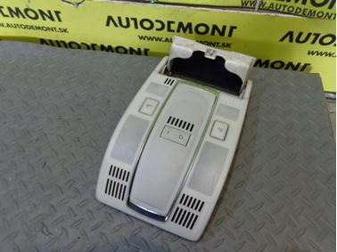 Predné interiérové svetlo 4F0947135J - Audi A6 C6 4F 2005 Sedan Quattro 3.0 TDI 165 kW BMK GZW