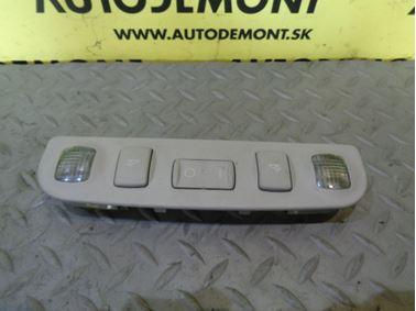 Zadné interiérové svetlo 8L4947111 - Audi A3 8L 2002 5 - dverová 1.9 Tdi 96 kW ASZ DRW
