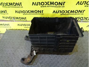 Kryt baterky 1K0915336 1K0915335B 1K0915333B - Audi A3 8P 2004 3 - dverová 2.0 Tdi 103 kW BKD GRF