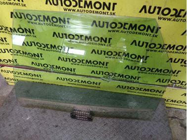 Ľavé zadné sklo 8E9 8E0 8E - Audi A4 B6 8E 2002 Avant Quattro 2.5 TDI 132 kW AKE FTM