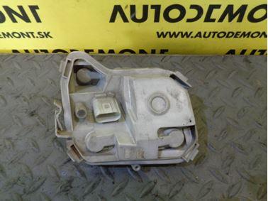 8E9945257B - Ľavý zadný držiak žiaroviek - Audi A4 Avant 2005 - 2008