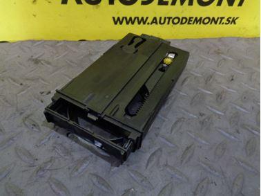 Držiak pohára 8D0862534A - Audi A4 B5 8D 2000 Avant 1.9 Tdi 85 kW AJM DUK