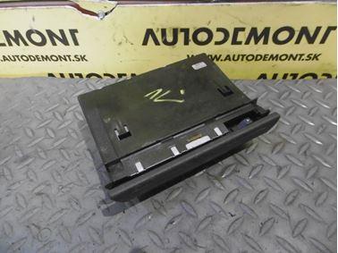 Predný popolník 4B0857951S - Audi A6 C5 4B 2003 Allroad Avant Quattro 2.5 TDI 132 kW AKE EYJ