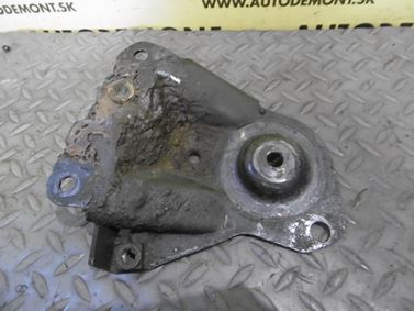 Vzpera - držiak prevodovky 4Z7399539 - Audi A6 C5 4B 2003 Allroad Avant Quattro 2.5 TDI 132 kW AKE EYJ