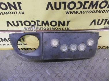 Pravá mriežka nárazníka 4Z7807682 - Audi A6 C5 4B 2003 Allroad Avant Quattro 2.5 TDI 132 kW AKE EYJ