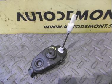 Ľavý predný modul kľučky 4F0837291 - Audi A6 C6 4F 2006 Avant Quattro 3.0 TDI 165 kW BMK HKG