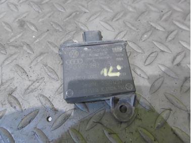Vysielač pre kontrolu tlaku vzduchu v pneumatike 4F0907283 - Audi A6 C6 4F 2008 Avant Quattro S - Line 3.0 Tdi 171 kW ASB KGX