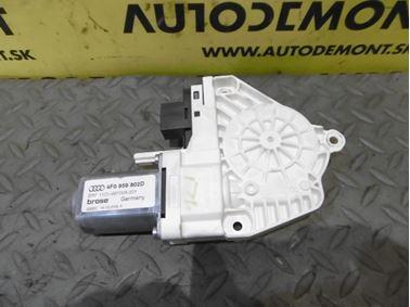 Pravý predný motorček okna 4F0959802D - Audi A6 C6 4F 2006 Avant Quattro 3.0 TDI 165 kW BMK HVE
