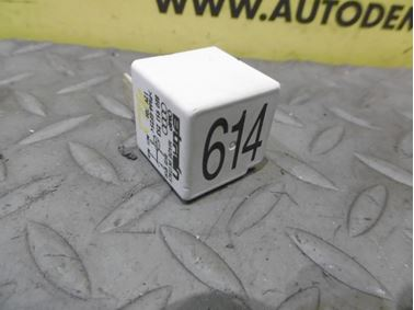 Relé pracovného kontaktu 8E0951253 614 - Audi A6 C6 4F 2006 Avant Quattro 3.0 TDI 165 kW BMK HVE