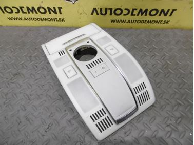Predné interiérové svetlo 4F0947135BE - Audi A6 C6 4F 2006 Avant Quattro 3.0 TDI 165 kW BMK HVE