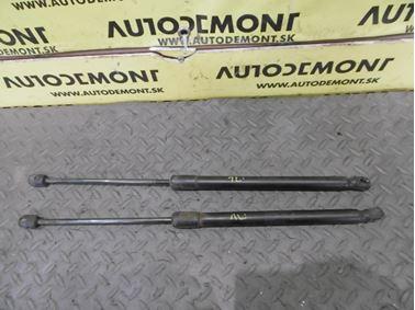 Vzpery zadnej kapoty 4F9827552C - Audi A6 C6 4F 2006 Avant Quattro 3.0 TDI 165 kW BMK HVE