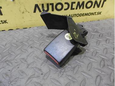 Pravé zadné zapínanie bezpečnostného pásu 4F0857740D - Audi A6 C6 4F 2006 Avant Quattro 3.0 TDI 165 kW BMK HVE