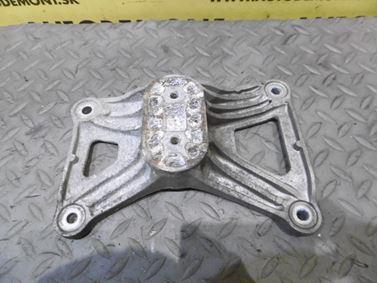 Vzpera - držiak prevodovky 4F0399115AM - Audi A6 C6 4F 2006 Avant Quattro 3.0 TDI 165 kW BMK HVE