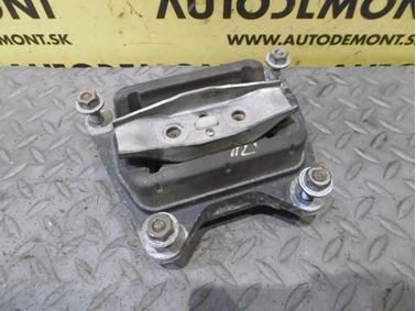 Silentblok prevodovky 4F0399151AM - Audi A6 C6 4F 2006 Avant Quattro 3.0 TDI 165 kW BMK HVE