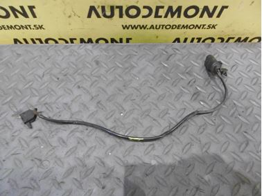 Mikrospínač prednej kapoty 4F0953236 - Audi A6 C6 4F 2006 Avant Quattro 3.0 TDI 165 kW BMK HVE