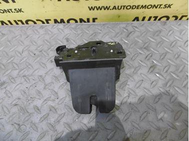 Zámok zadnej kapoty 4F9827520B 8P4827505B - Audi A6 C6 4F 2006 Avant Quattro 3.0 TDI 165 kW BMK HVE
