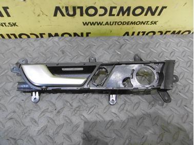 Ľavá predná vnútorná kľučka 4F0837019C - Audi A6 C6 4F 2006 Avant Quattro 3.0 TDI 165 kW BMK HVE