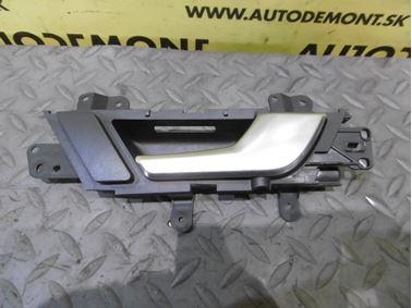 Pravá zadná kľučka dverí 4F0839020D - Audi A6 C6 4F 2006 Avant Quattro 3.0 TDI 165 kW BMK HVE