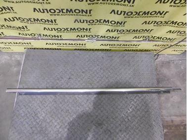 Pravá predná lišta dverí 4F0853284C - Audi A6 C6 4F 2006 Avant Quattro 3.0 TDI 165 kW BMK HVE