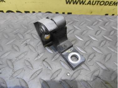 Ľavý predný horný pánt dverí 8E0831401B - Audi A6 C6 4F 2006 Avant Quattro 3.0 TDI 165 kW BMK HVE