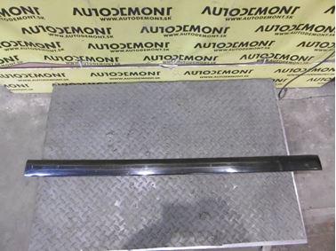Pravá predná lišta dverí 8D0853954B - Audi A4 B5 8D 2000 Avant 1.9 Tdi 85 kW AJM DUK