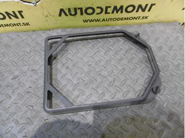 4D0819647 - Držiak peľového filtra - Audi A8 1994 - 2003