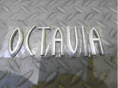 Nápis Octavia 1U0853687N - Škoda Octavia 1 1U 2002 Sedan Elegance 1.9 Tdi 81 kW ASV EGS