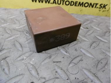 4B0955531C 389 - Relé stieračov a ostrekovačov